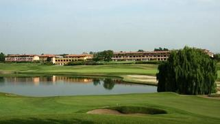 LE ROBINIE GOLF CLUB & RESORT