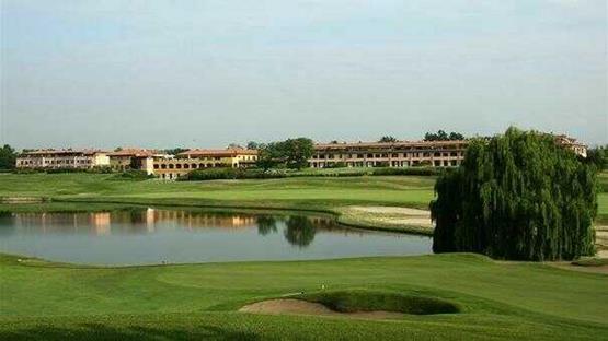 Sale meeting di le robinie golf club resort solbiate olona - Piscina solbiate olona ...