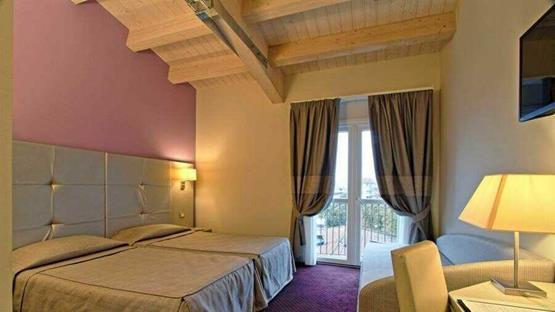 Sale meeting di boutique hotel calzavecchio bologna for Hotel casalecchio