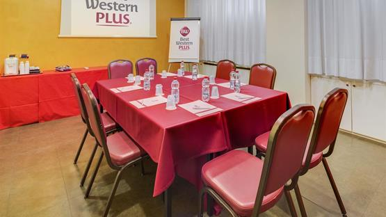 Sale meeting di best western plus hotel galles milano for Hotel galles milano