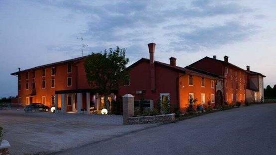 Sale meeting di antico borgo torricella hotel wellness - Piscina san vito al tagliamento ...