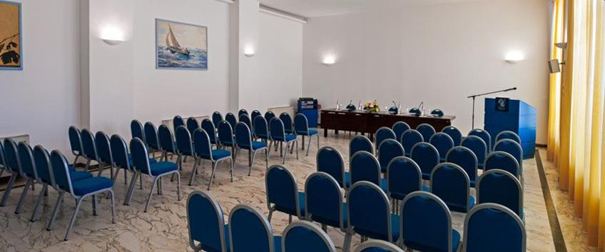 Un meeting sul mare
