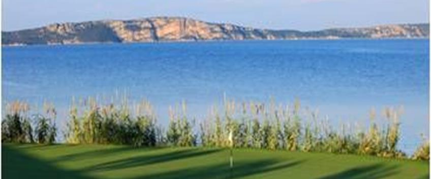 The Bay Course di Costa Navarino tra i migliori green per Robb Report
